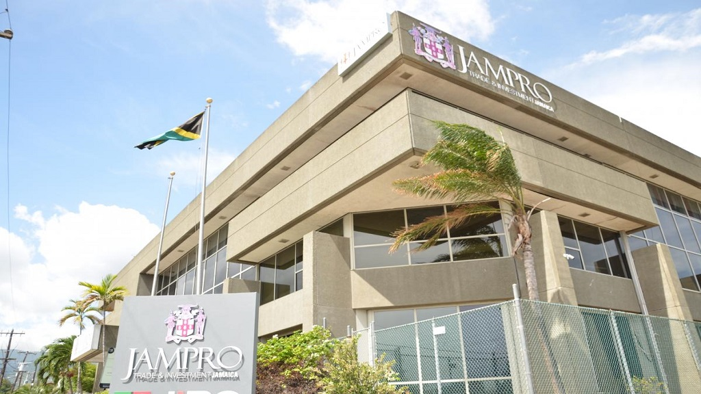 At the same time, the number of jobs created by JAMPRO clients was 14,401, exceeding the target of 14,156.