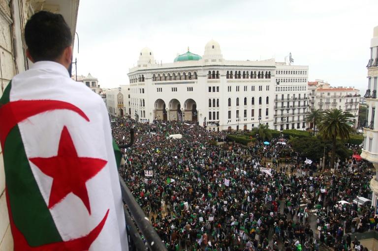 Manifestations d'Algériens contre le président Abdelaziz Bouteflika à Alger le 22 mars 2019