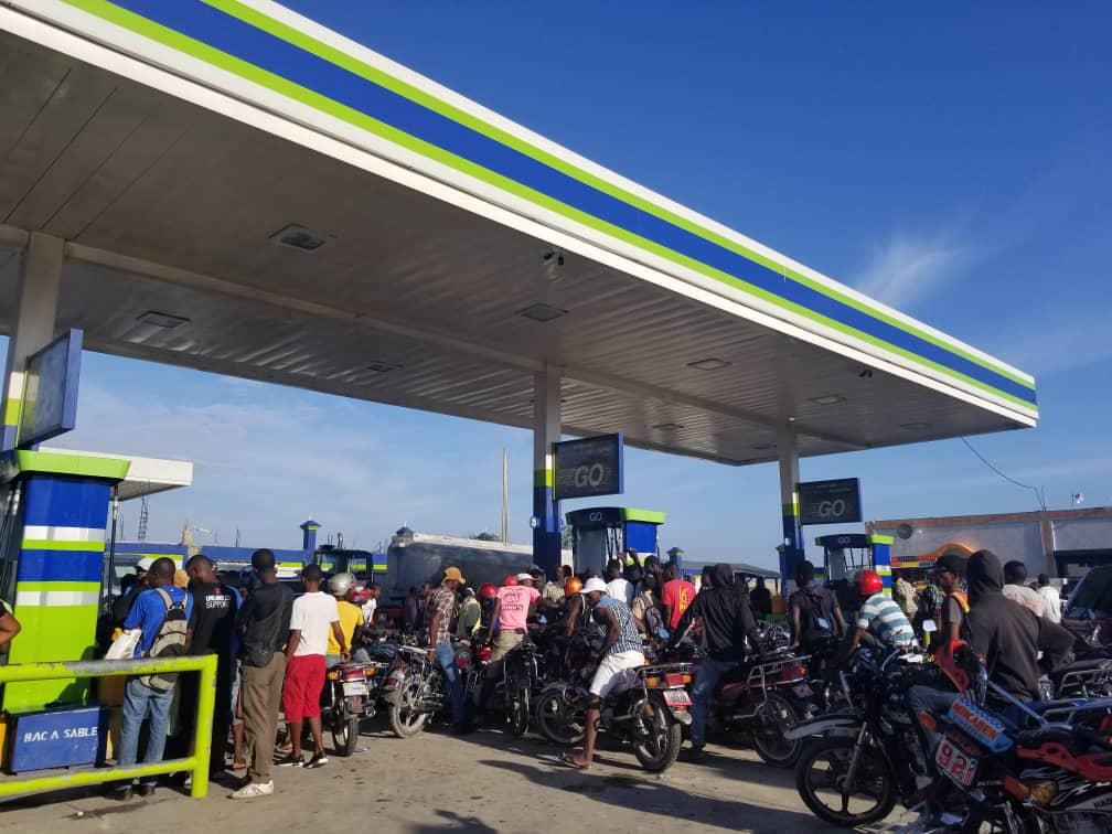 Rareté de gazoline: le calvaire des automobilistes se poursuit