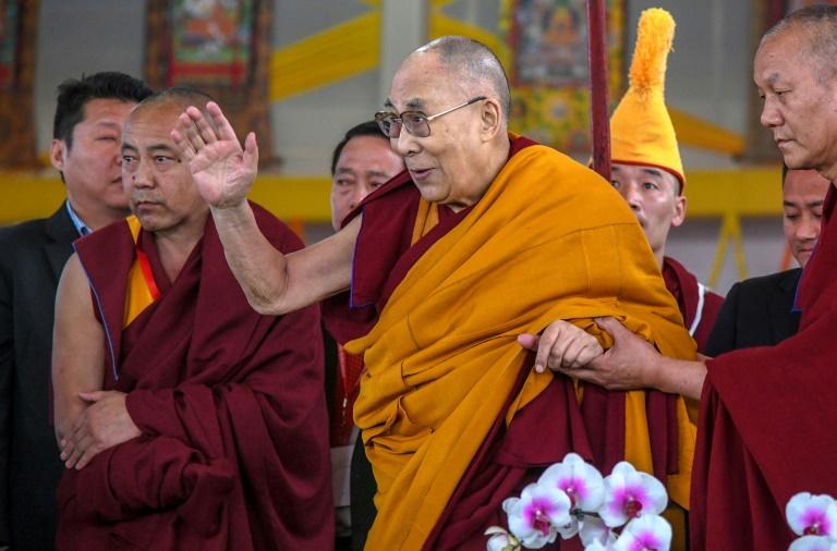 De dalaï lama (c), le 31 décembre 2018 à Bodhagaya, en Inde