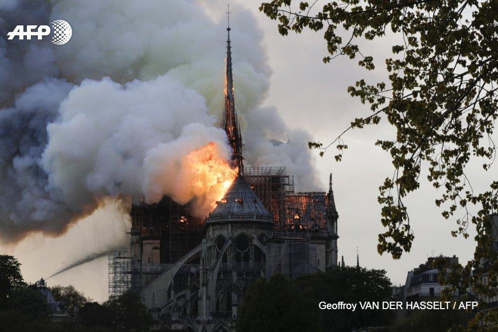 Un incendie s'est déclaré le 15 avril 2019 à Notre-Dame de Paris