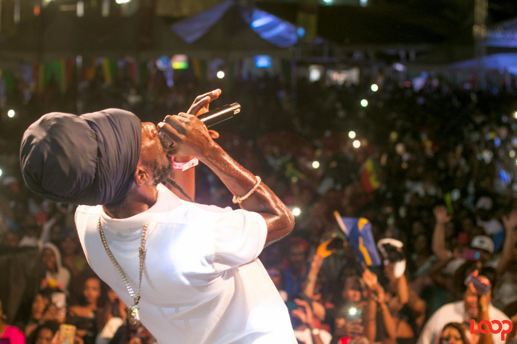Photographer Cowyn Frankly really captured Sizzla's passion.
