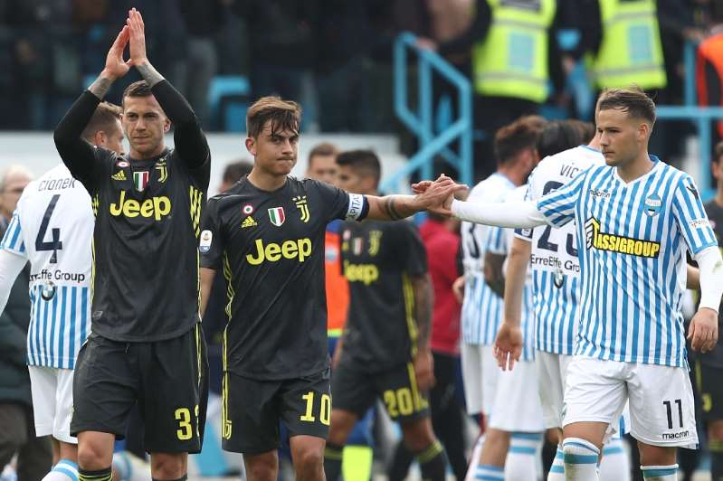 La Juventus de Federico Bernardeschi et du capitaine Paulo Dybala s'incline sur la pelouse de la SPAL à Ferrara, le 13 avril 2019