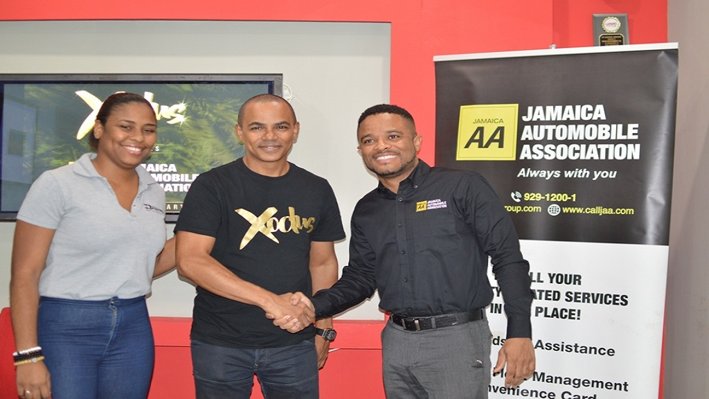 Scott Dunn (centre), managing director of Dream Entertainment, with  Jason McNeish (right), deputy general manager, the Jamaica Automobile Association and Macheri Samuels, project manager, Dream Entertainment.