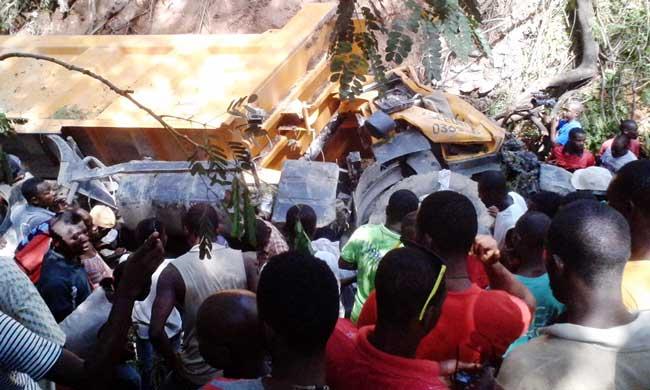 5 personnes sont  mortes au total et plusieurs autres blessés dans deux terribles accidents survenus à Meyer, à Jacmel, et à Petit-Goave, à hauteur de Morne Tapion, route nationale numéro 2, selon nos sources contactées.
