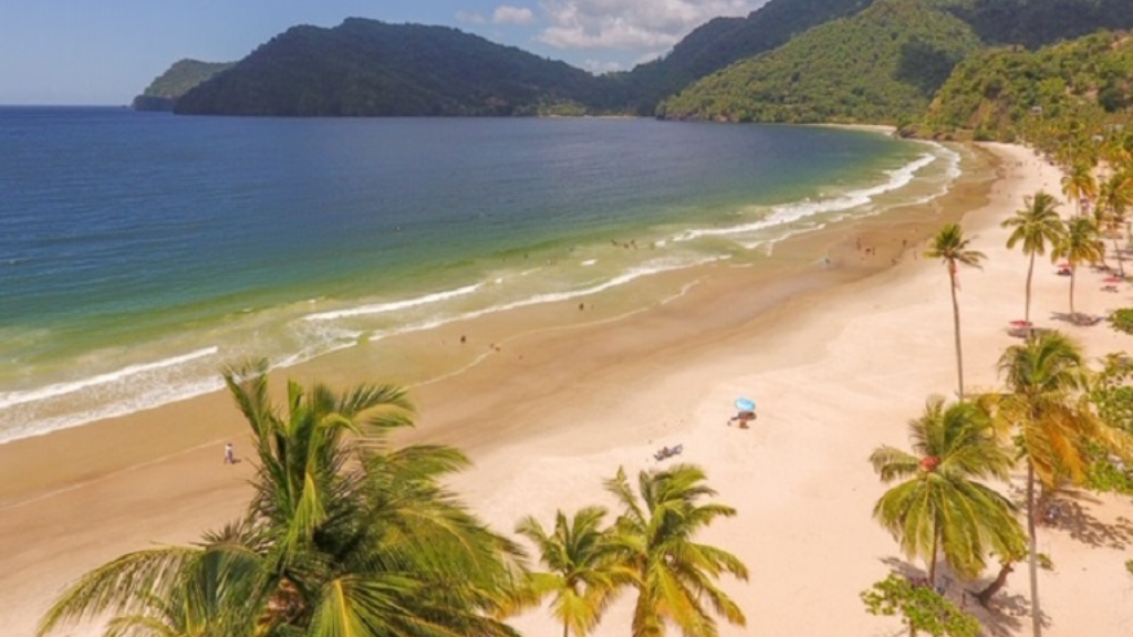 Maracas Bay rated among best beaches in the Caribbean | Loop
