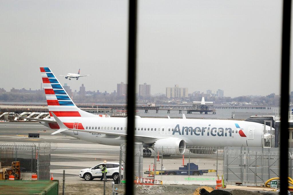 Resultado de imagen para American Airlines cancellation flight