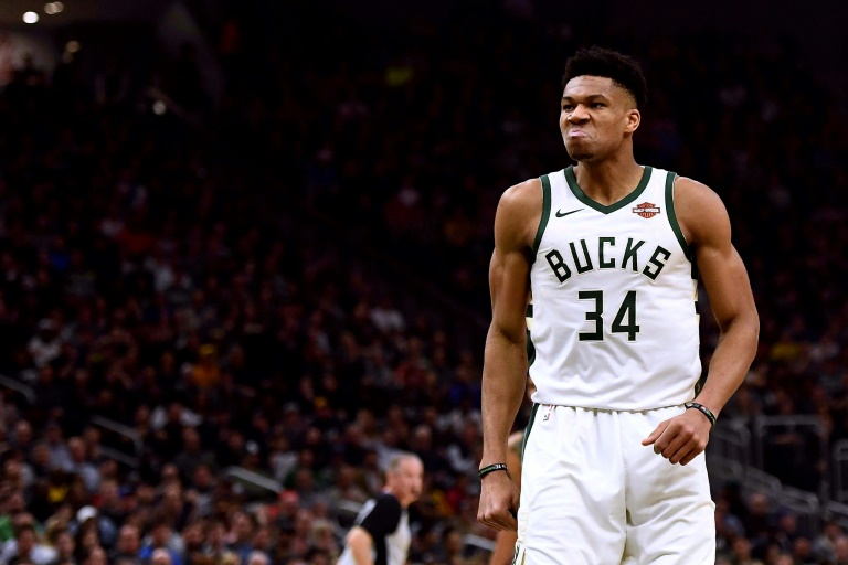 Giannis Antetokounmpo lors d'un match contre les Houston Rockets à Milwaukee le 26 mars 2019
