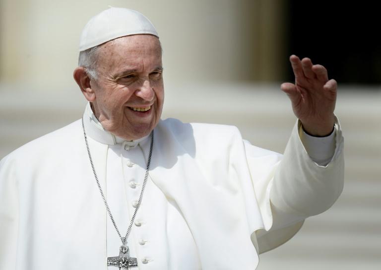 Le pape François a dévoilé une législation plus stricte obligeant prêtres, religieux et religieuses à signaler à l'Eglise tout soupçon d'agression sexuelle ou d'harcèlement, ainsi que toute couverture de tels faits par la hiérarchie catholique