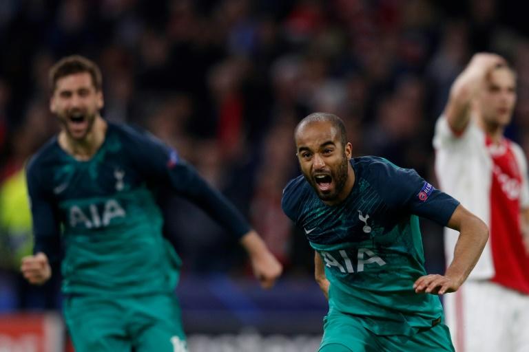 Le Brésilien Lucas Moura après son troisième but qui envoie contre l'Ajax qui envoie Tottenham en finale de la Ligue des champions, le 8 mai 2019 à Amsterdam