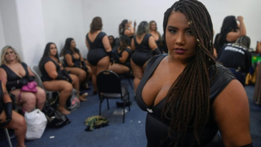 """La Brésilienne Thayanne Oliveira, 19 ans, au concours de beauté """"Deusa plus-size"""" (""""Déesse des grandes tailles""""), lors de la Sexy Fair de Rio de Janeiro (Brésil), le 3 mai 2019. AFP"""