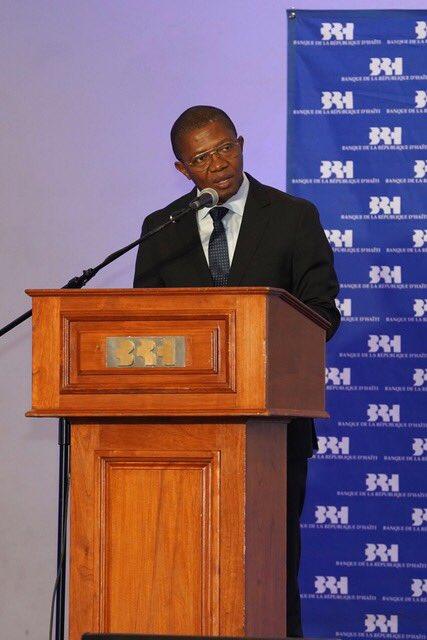 Le gouverneur de la banque centrale, Jean Baden Dubois, au point de presse organisé hier jeudi dans les locaux de la banque centrale au bas de la ville./Photo: Twitter BRH.