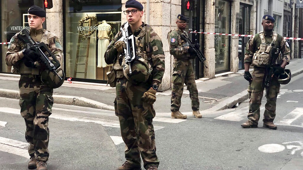 Police hunt suspect after explosion in French city of Lyon   Loop News