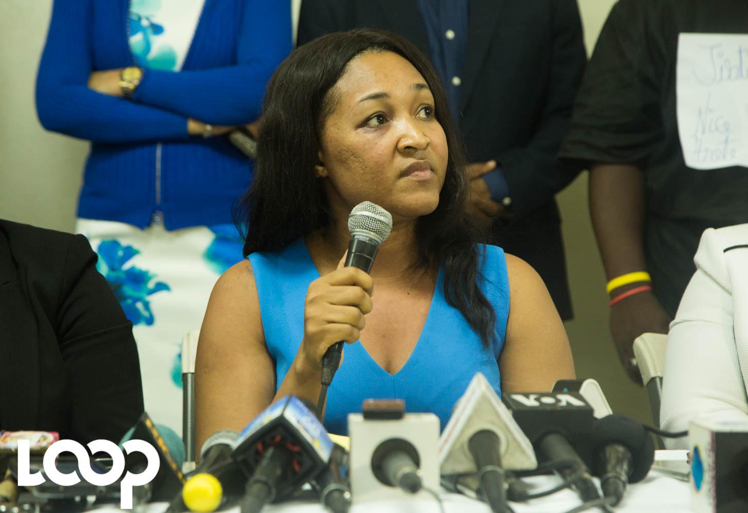 La mairesse Nice Simon, en conférence de presse après avoir été agressée début octobre 2018 par son compagnon Yves Léonard/ Photo: Estaïlove St-val/ Loop Haiti