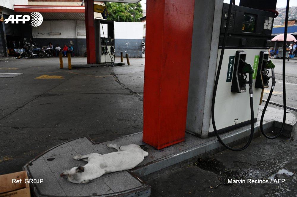 Une pénurie d'essence touche certains Etats du Venezuela, détenteur des premières réserves de pétrole au monde, mais soumis à un embargo américain sur son brut