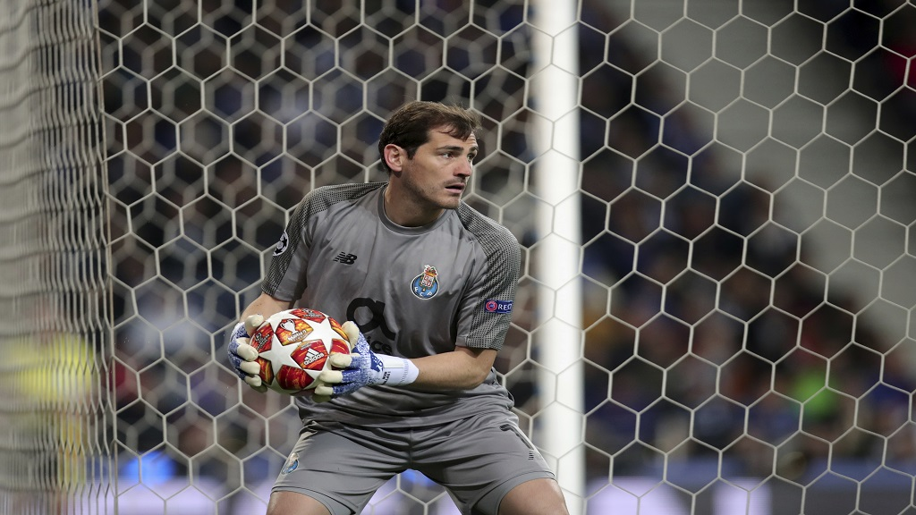 Porto goalkeeper Iker Casillas holds the ball during the Champions League quarterfinals, 2nd leg, football match against Liverpool at the Dragao stadium in Porto, Portugal, Wednesday, April 17, 2019.