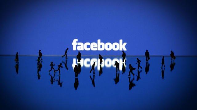 (ILLUSTRATION) L'un des co-fondateurs de Facebook, Chris Hughes propose qu'Instagram et WhatsApp soient scindés de Facebook