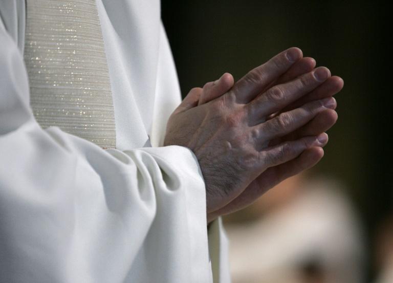 Un évêque sommé de communiquer le dossier d'un prêtre pédophile à une victime