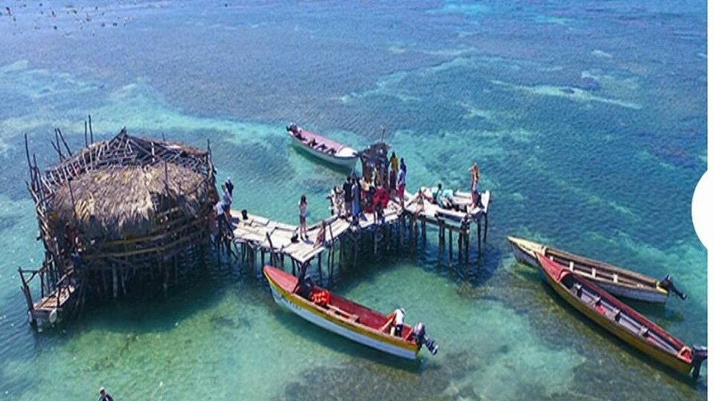 Floyd's Pelican Bar. Photo taken from Facebook.