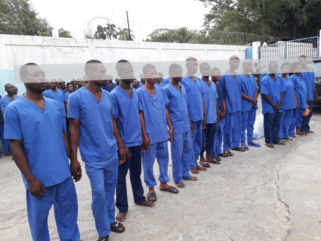 53 personnes soupçonnées d'être membres du gang d'Arnel Joseph arrêtées par la police le 12 mai dernier