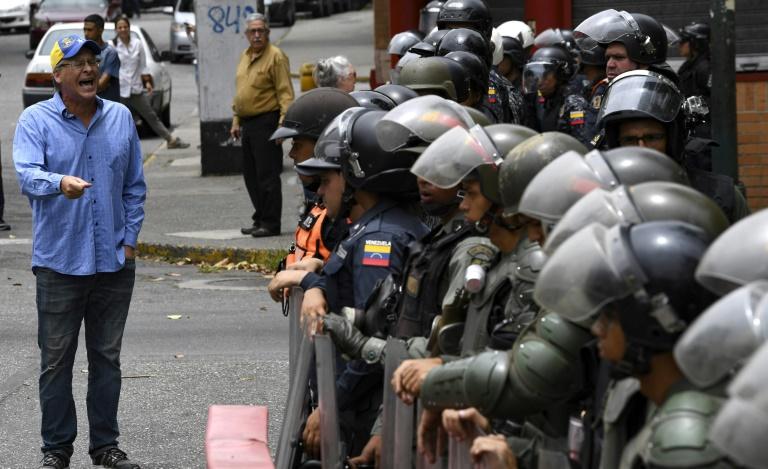 L'opposant Juan Guaido donne une conférence de presse à Caracas, le 3 mai 2019