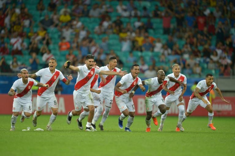 L'équipe du Pérou se qualifie en demi-finale de la Copa América en battant l'Uruguay aux tab le 29 juin 2019 à Salvador