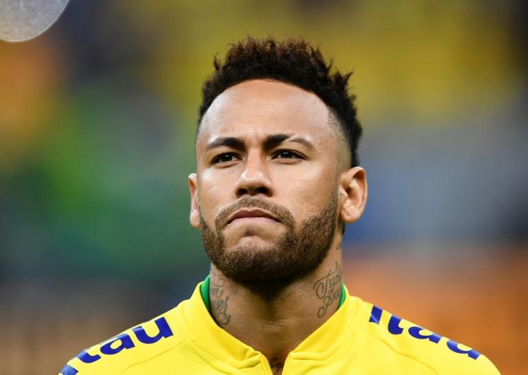 L'attaquant du Brésil Neymar avant le coup d'envoi du match amical contre le Qatar, le 6 juin 2019 à Brasilia