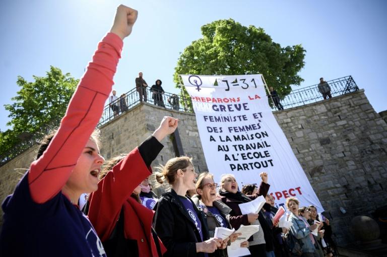 Des femmes manifestent pour l'égalité salariale, le 14 mai 2019 à Lausanne