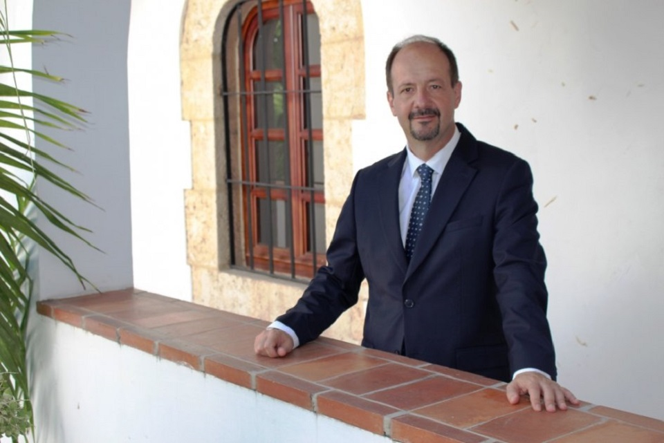 L'ambassadeur de France en Haiti, José Gomez