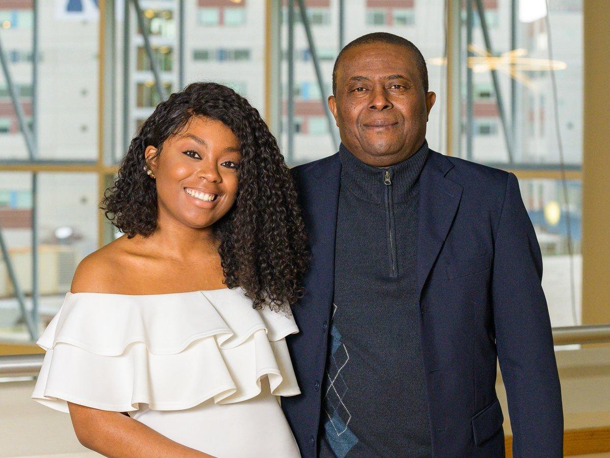 Welena Noel et son père Wisner, diplômés  ensemble de l'université publique de Kean./Photo: Twitter Kean