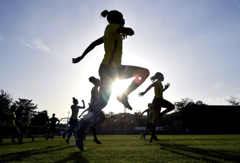 "Un entraînement des ""Reggae Girlz"" au St. George's College de Kingston, le 17 mai 2019"