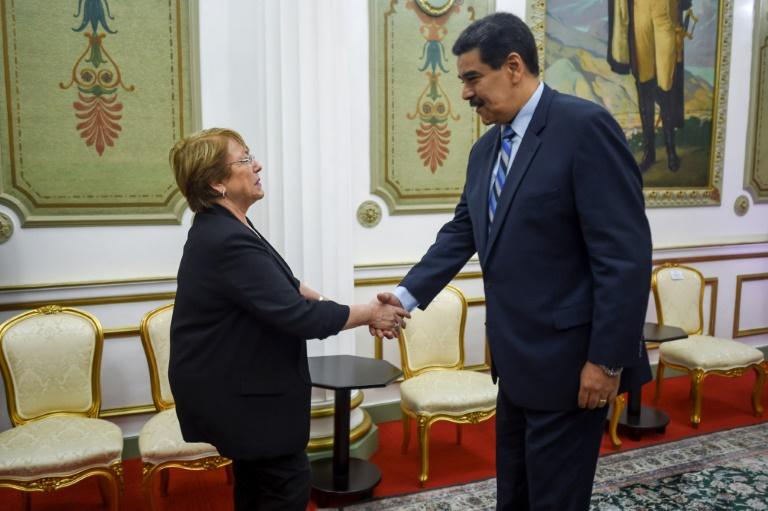 La Haute-commissaire de l'ONU aud droits de l'homme Michelle Bachelet rencontre le président vénézuélien Nicolas Maduro, le 21 juin 2019 au palais présidentien de Miraflores à Caracas