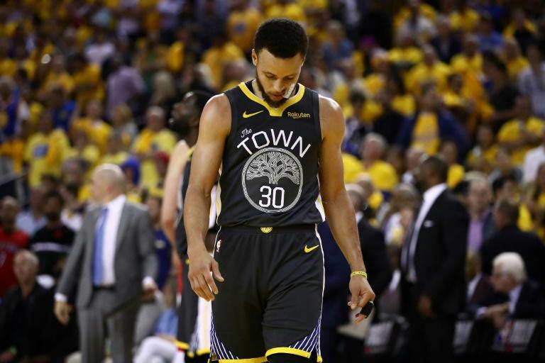 Stephen Curry défait avec Golden State Warriors par les Raptors lors du match 4 des finales NBA, le 7 juin 2019 à Oakland Getty/AFP/Archives / EZRA SHAW