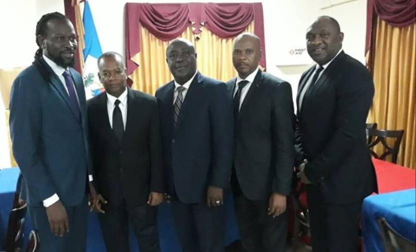 Le groupe des 5 sénateurs de l'opposition composé de : Anthonio Cheramy, Nenel Cassy, Evalière Beauplan, Ricard Pierre et Youri Latortue