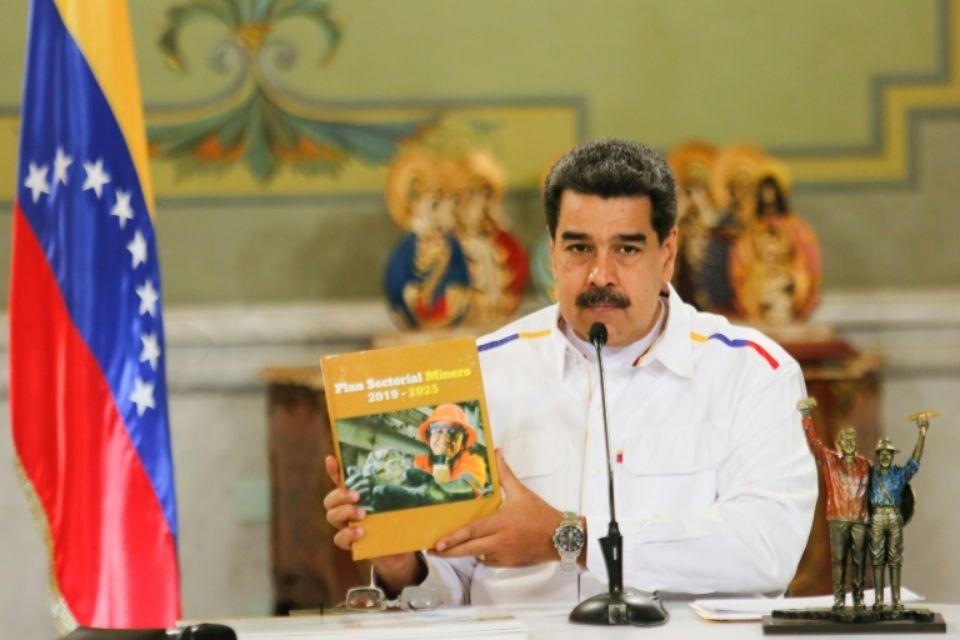 Le président vénézuélien Nicolas Maduro annonce des investissements dans l'exploitation de mines, le 5 juin 2019 à Caracas Photo HO. AFP