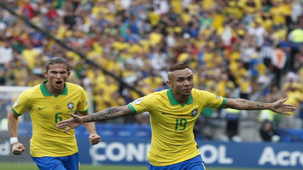 Brazil's Everton celebrates scoring his side's third goal against Peru during a Copa America Group A match at the Arena Corinthians in Sao Paulo, Brazil, Saturday, June 22, 2019.