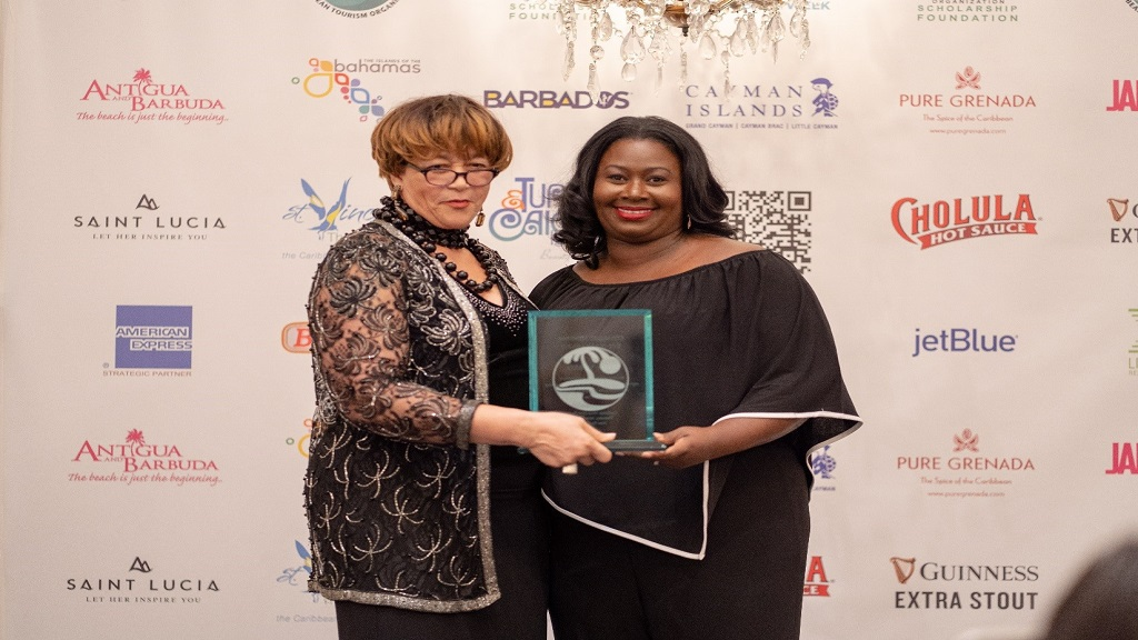 Cayman Islands Director of Tourism, Rosa Harris receiving her Jerry Award in New York