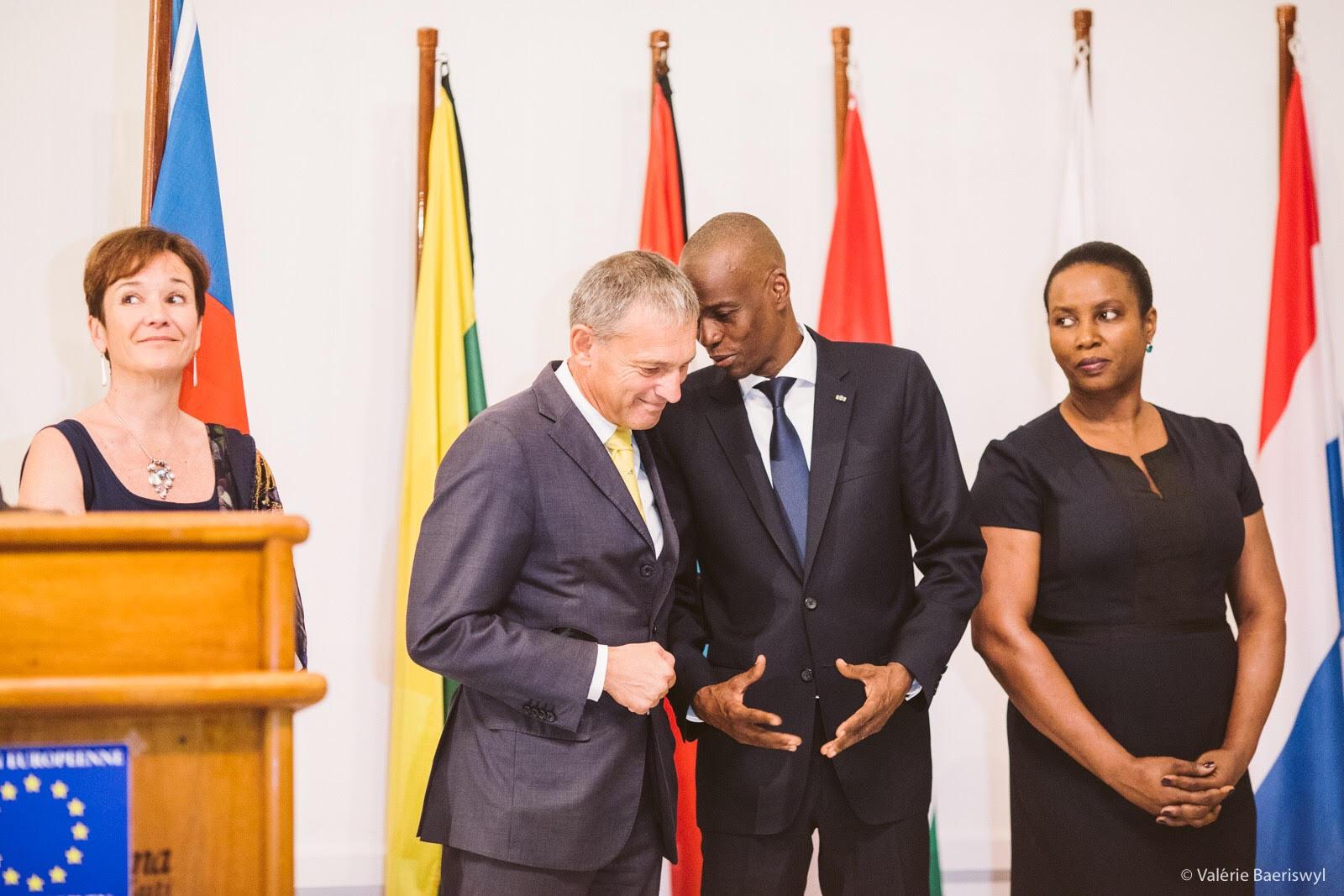 Le président haïtien, Jovenel Moïse et l'ambassadeur de l'Union européenne en Haïti, Vincent Degert/ Photo: Valerie Baesriswyl