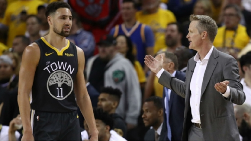 Klay Thompson (left) and Steve Kerr during Game 4 of the NBA Finals.