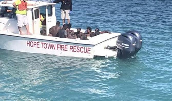 Des migrants haïtiens survivants lors d'un naufrage survenu en février 2019. Source : Tribune 242