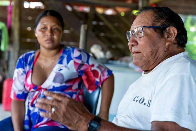 Le village de Twenke sur les rives de la rivière Saint-Laurent du Maroni en Guyane le 11 juin 2019