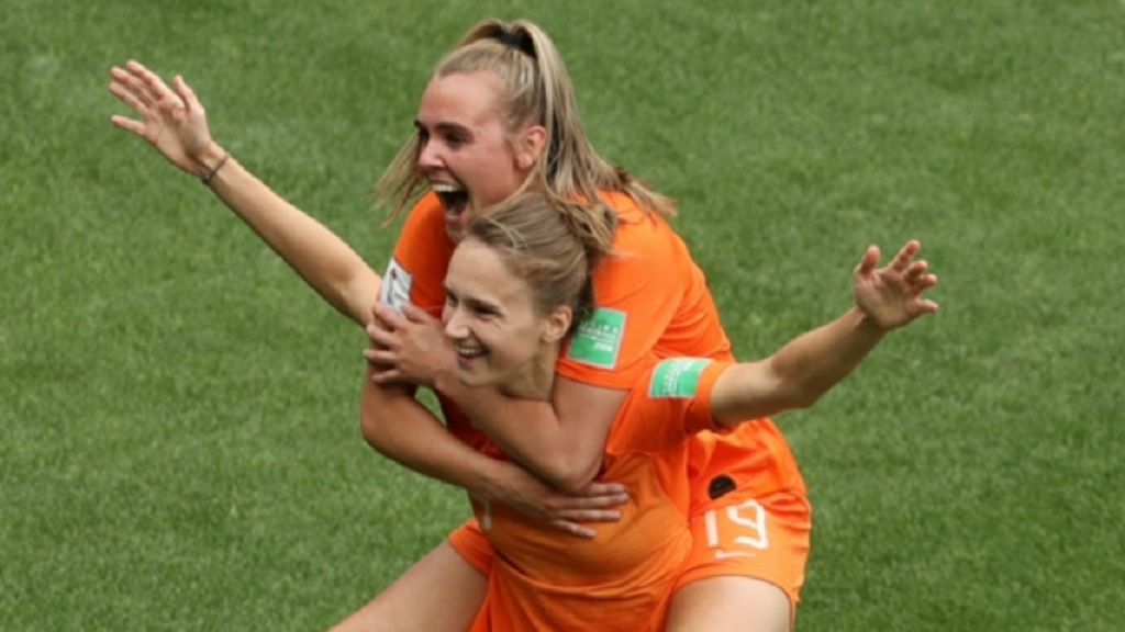 Netherlands celebrate against Cameroon.