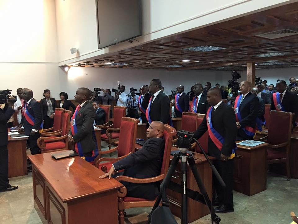 Des sénateurs réfléchissent sur la délocalisation du siège du Sénat
