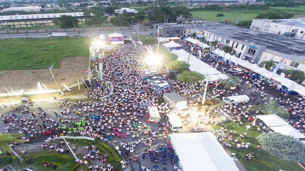 Thousands gathered at the Fairview Shopping Centre in Montego Bay, St. James, to participate in the 2019 staging of the Guardian Group Foundation's Keep It Alive 5K Night Run.