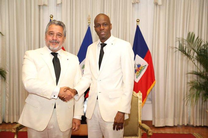 L'ambassadeur du Royaume de Maroc Zakaria El Goumiri et le Président de la République Jovenel Moïse