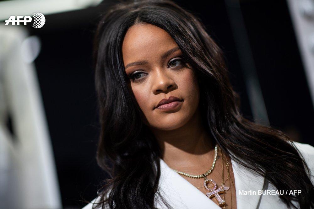 Rihanna devient la chanteuse la plus riche au monde