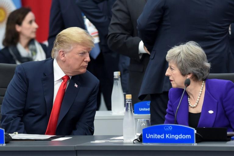 Le président américain Donald Trump et la dirigeante britannique Theresa May lors d'un sommet du G20 à Buenos Aires en novembre 2018