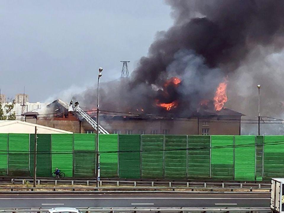 Incendie dans une centrale thermique, le 11 juillet 2019 dans la banlieue de Moscou, en Russie