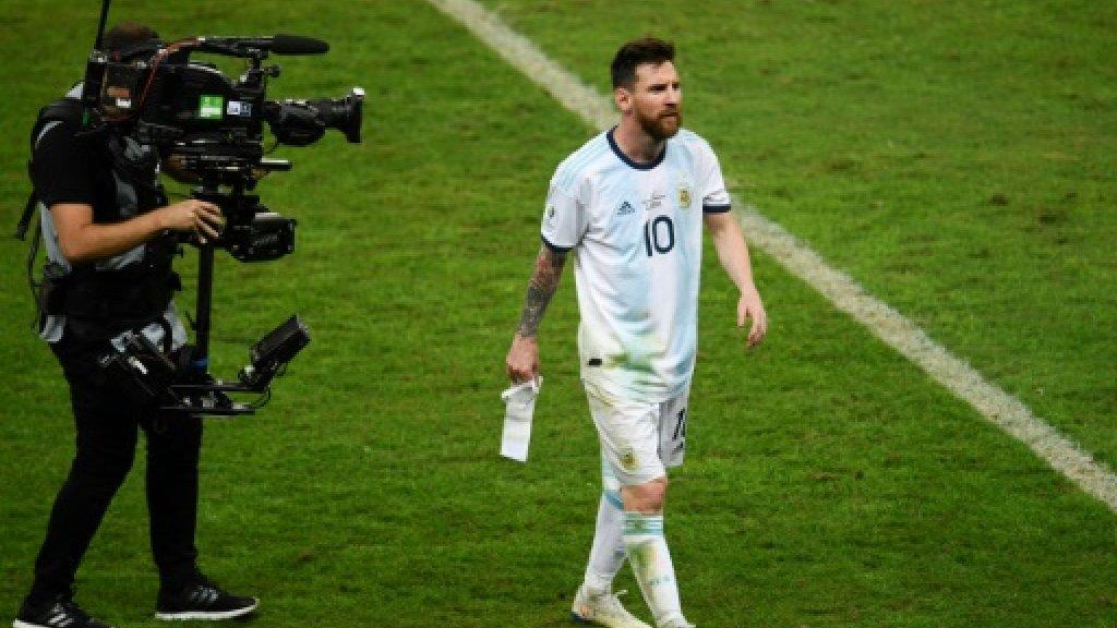Le stratège argentin Lionel Messi quitte la Copa America, éliminé par le Brésil en demi-finale, le 2 juillet 2019 à Belo Horizonte AFP