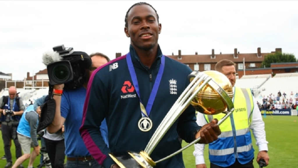 Jofra Archer with the Cricket World Cup trophy.